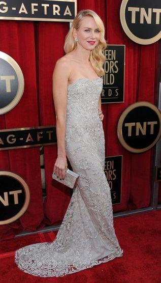 Naomi Watts linda de Marchesa!